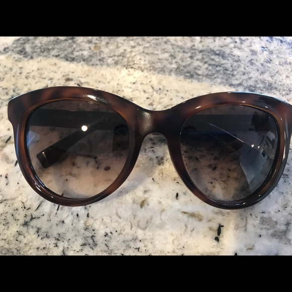 4755769ef85 Fendi Accessories - Fendi Sunglasses Tortoise Blonde Havana